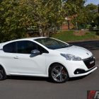 2016-peugeot-208-gti-review-side2