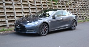 2016-tesla-model-s-p90d-autopilot-review