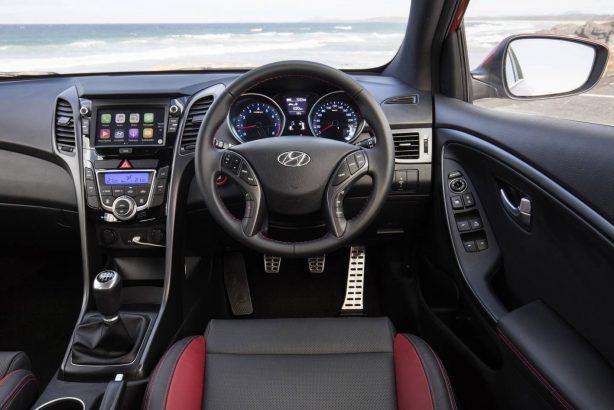 2017-hyundai-i30-sr-series-ii-interior