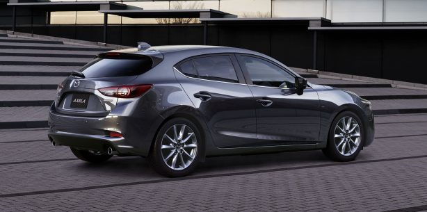 2017 mazda3 axela hatch rear