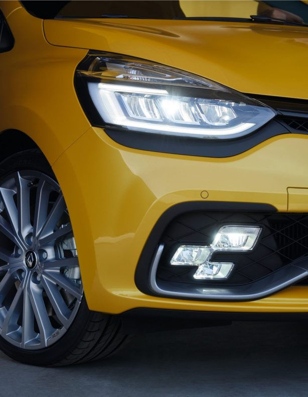 2017 renaultsport clio r.s. led light