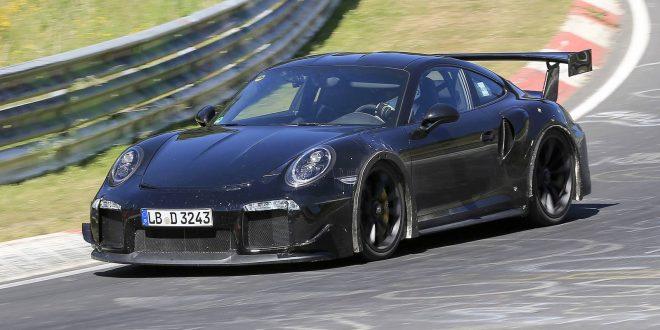 SPIED: 2018 Porsche 911 GT2