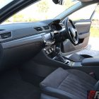 2016-skoda-superb-140tdi-wagon-front-legroom