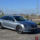 2016-skoda-superb-140tdi-wagon-front-quarter