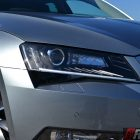 2016-skoda-superb-140tdi-wagon-headlight