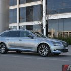 2016-skoda-superb-140tdi-wagon-side-view