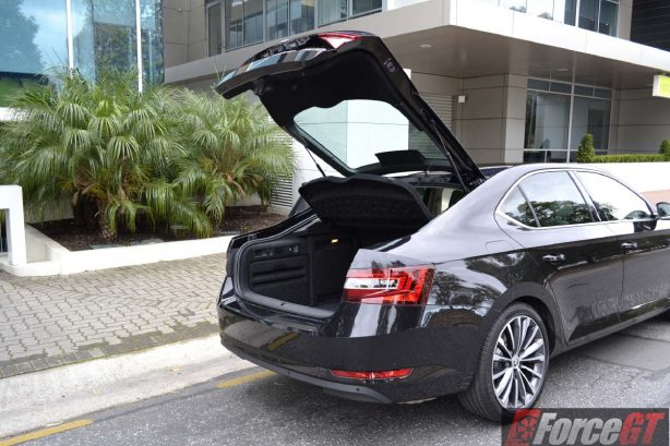 2016 skoda superb 162tsi sedan liftback