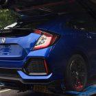 2017-honda-civic-hatch-production-model-rear3