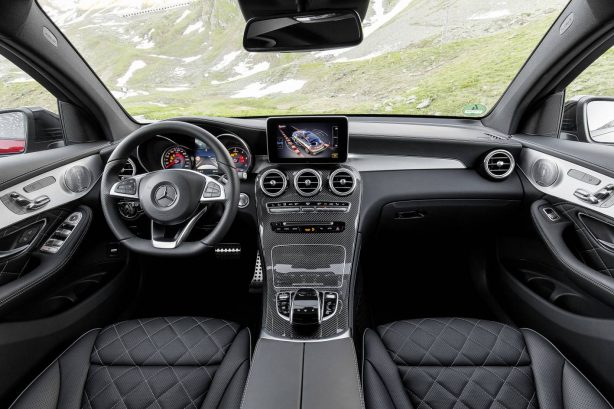 Mercedes-Benz GLC 350 d Coupé; Exterieur: hyazinthrot; Interieur: designo Leder Nappa schwarz ;Kraftstoffverbrauch kombiniert: ab 6,0 l/100 km*; CO2-Emissionen kombiniert: ab 155 g/km*; *vorläufige Werte Mercedes-Benz GLC 350 d Coupé; exterior: hyacinth red; interior: designo Nappa black/black; fuel consumption combined: from 6.0 l/100 km*; CO2 emissions combined: from 155 g/km*; *provisional values