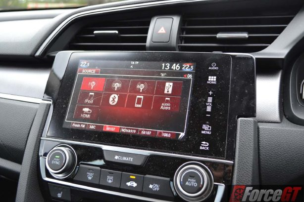 2016-honda-civic-rs-infotainment-screen