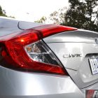 2016-honda-civic-vti-s-taillight