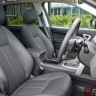 2016-land-rover-discovery-sport-si4-se-front-seats