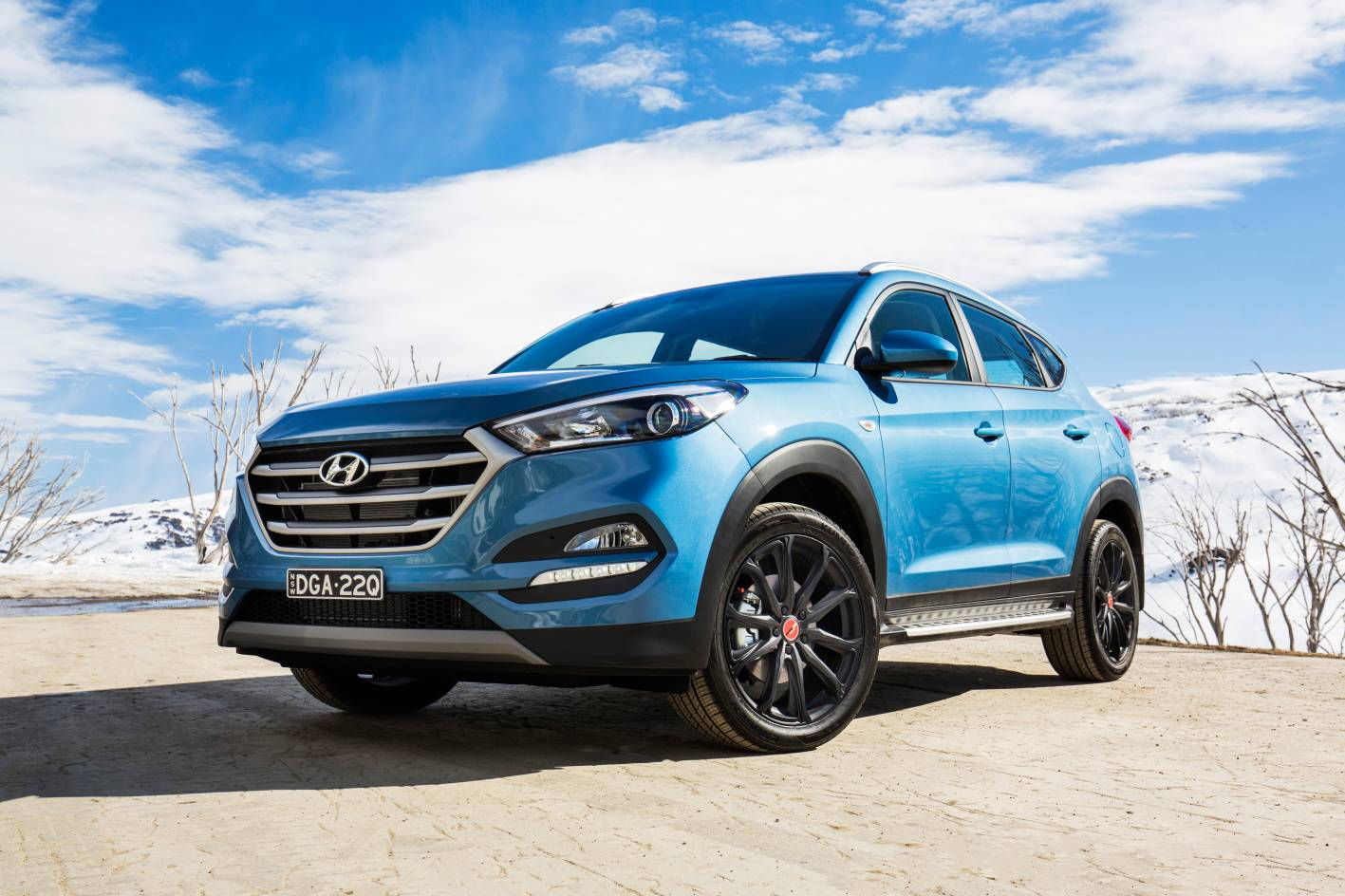 hyundai introduces 30 special edition tucson and santa fe models. Black Bedroom Furniture Sets. Home Design Ideas