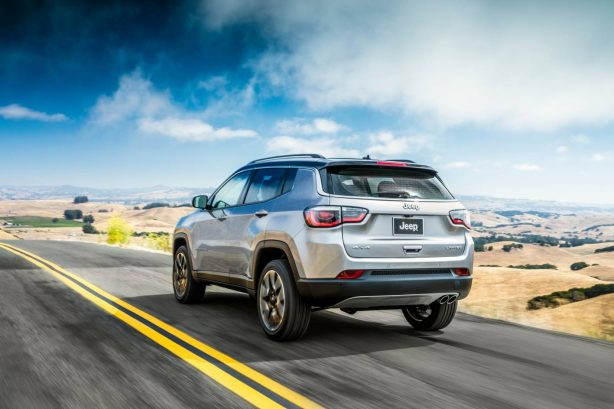 2017-jeep-compass-rear-quarter