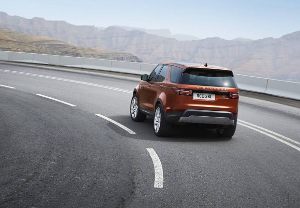 2017-land-rover-discovery-rear-quarter-1