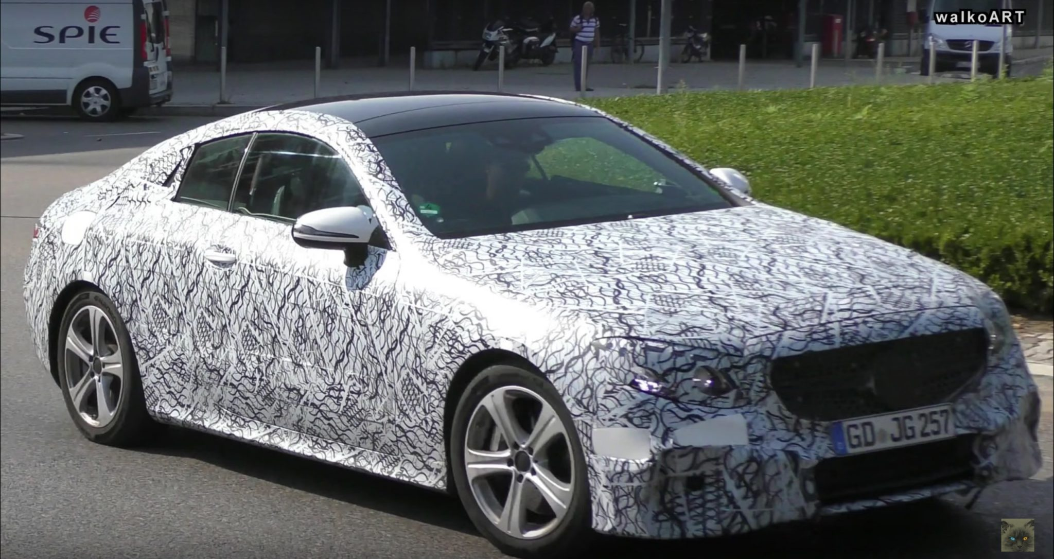 2017 mercedes benz e class coupe spied on video. Black Bedroom Furniture Sets. Home Design Ideas
