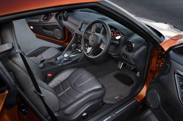2017 nissan gt-r premium edition interior