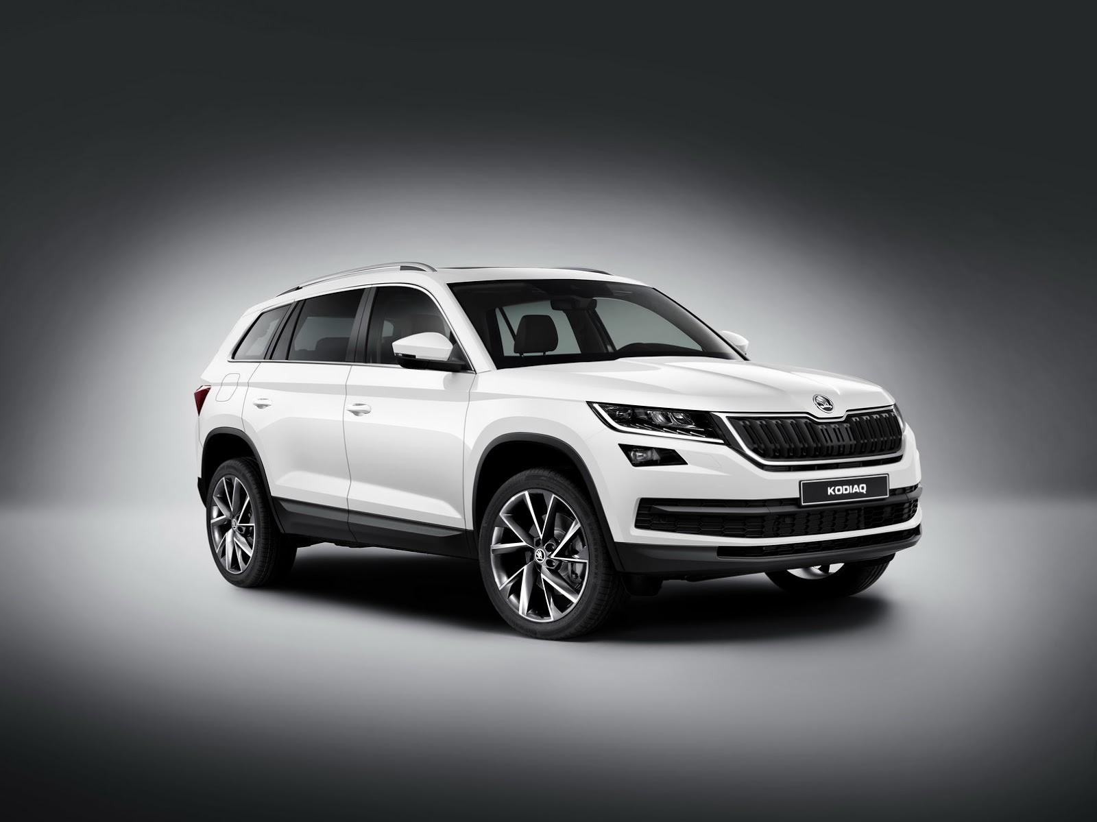 skoda kodiaq 7 seater suv officially unveiled. Black Bedroom Furniture Sets. Home Design Ideas