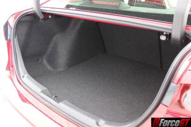 2016 Mazda 3 Maxx sedan boot