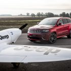 jeep-grand-cherokee-srt-vs-plane-5