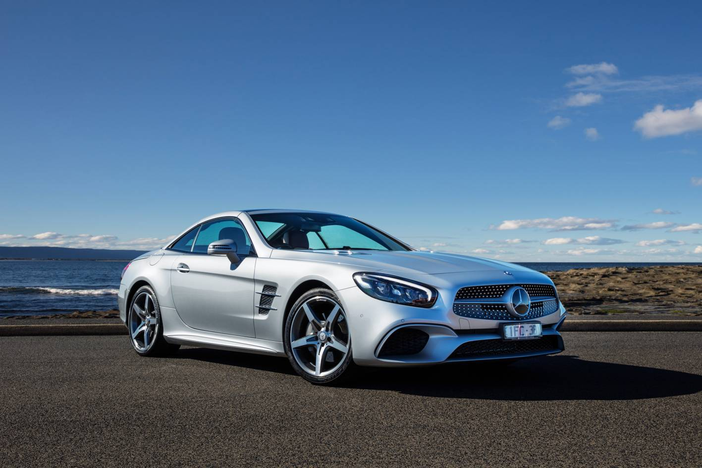2017 mercedes benz sl pricing and specification announced for Mercedes benz sl price