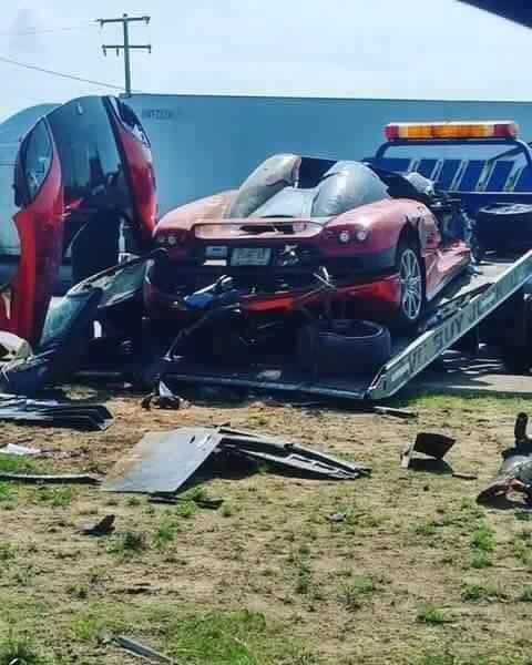 koenigsegg ccx destroyed in high speed crash in mexico. Black Bedroom Furniture Sets. Home Design Ideas