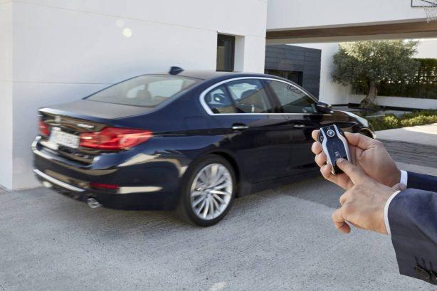 2017-bmw-5-series-remote-parking
