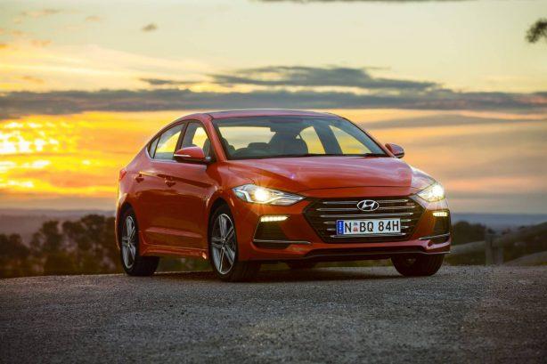 2017-hyundai-elantra-sr-turbo-front