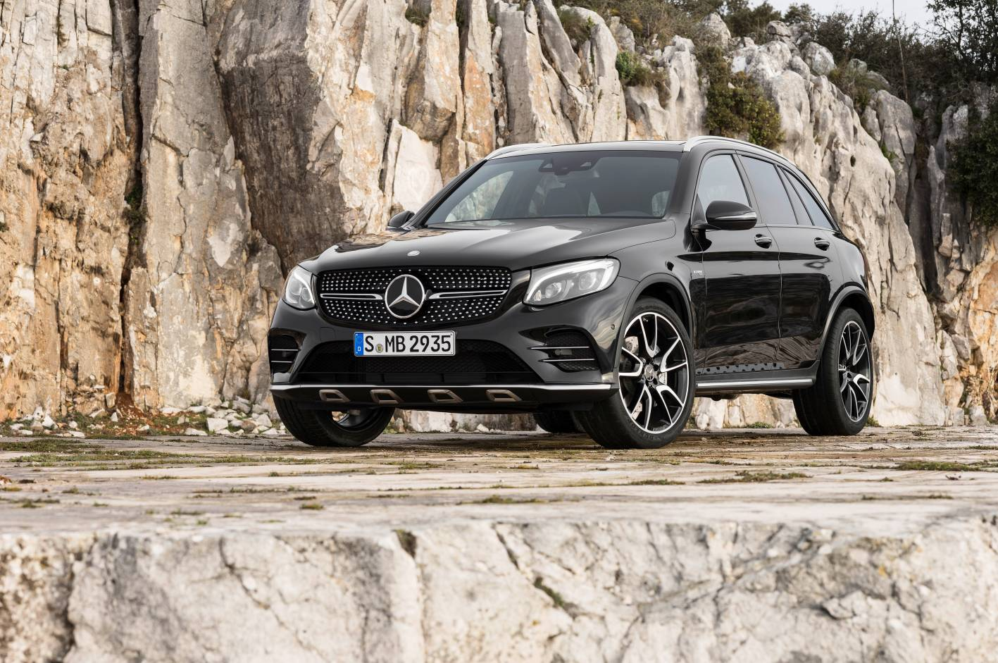 mercedes amg glc and gle range pricing announced. Black Bedroom Furniture Sets. Home Design Ideas