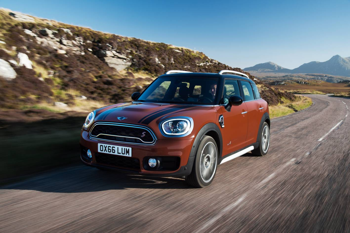 all new 2017 mini countryman unveiled gets hybrid. Black Bedroom Furniture Sets. Home Design Ideas