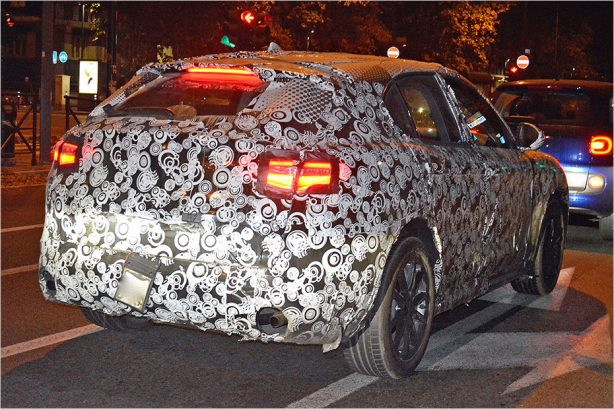 2018-alfa-romeo-stelvio-spy-photo-rear2