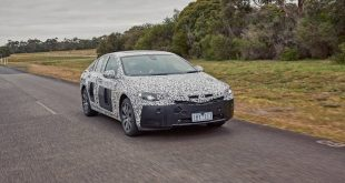 2018-holden-commodore-spy-photo-front-quarter