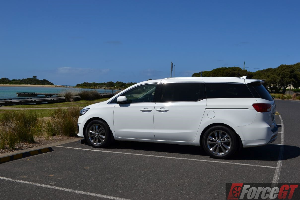 2016 Kia Carnival Review – Platinum Diesel