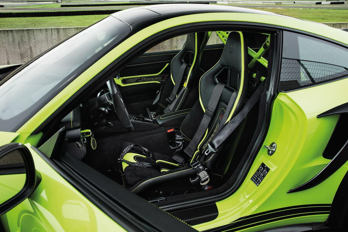 Techart unleashes porsche 911 turbo gtstreet r for Interieur 991