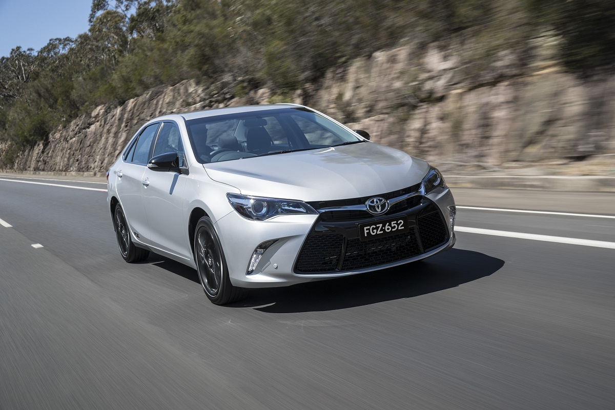 toyota camry rz relaunched with sat nav and digital radio. Black Bedroom Furniture Sets. Home Design Ideas