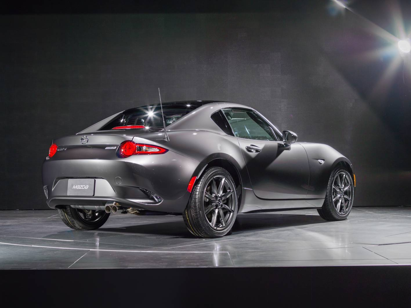 hardtop mazda mx 5 rf lands in february from 38 550. Black Bedroom Furniture Sets. Home Design Ideas
