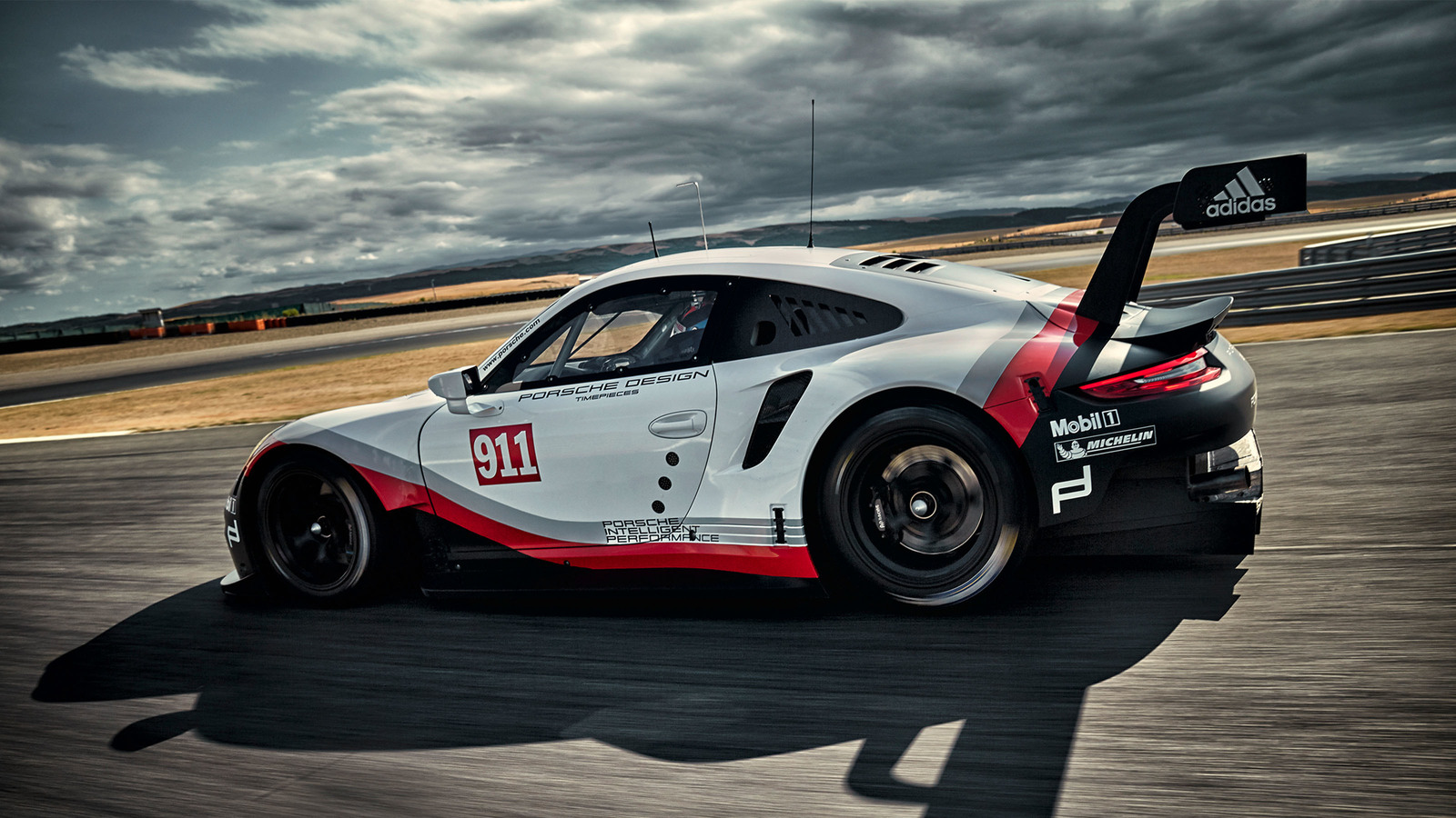 2017 Porsche 911 Rsr Racer Adopts Mid Engined Layout