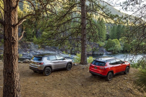gallery-2017-jeep-compass-trailhawk-group