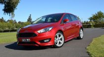 2016-ford-focus-titanium-hatch-front