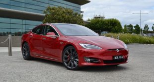 2017-tesla-model-s-facelift-p90d-front-quarter2