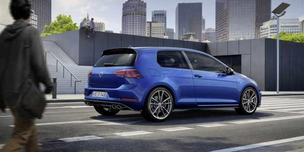 2017-volkswagen-golf-r-rear-quarter