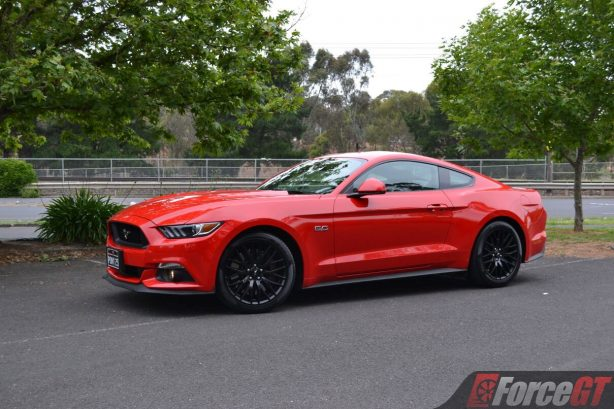 2017-ford-mustang-gt-coupe-side-view