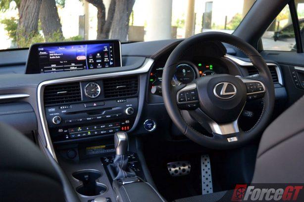 2017-lexus-rx450h-cockpit