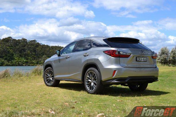 2017-lexus-rx450h-rear-quarter2