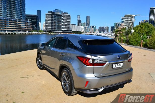 2017-lexus-rx450h-rear-view