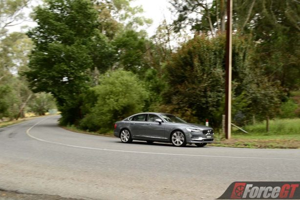 2017 volvo s90 front quarter rolling
