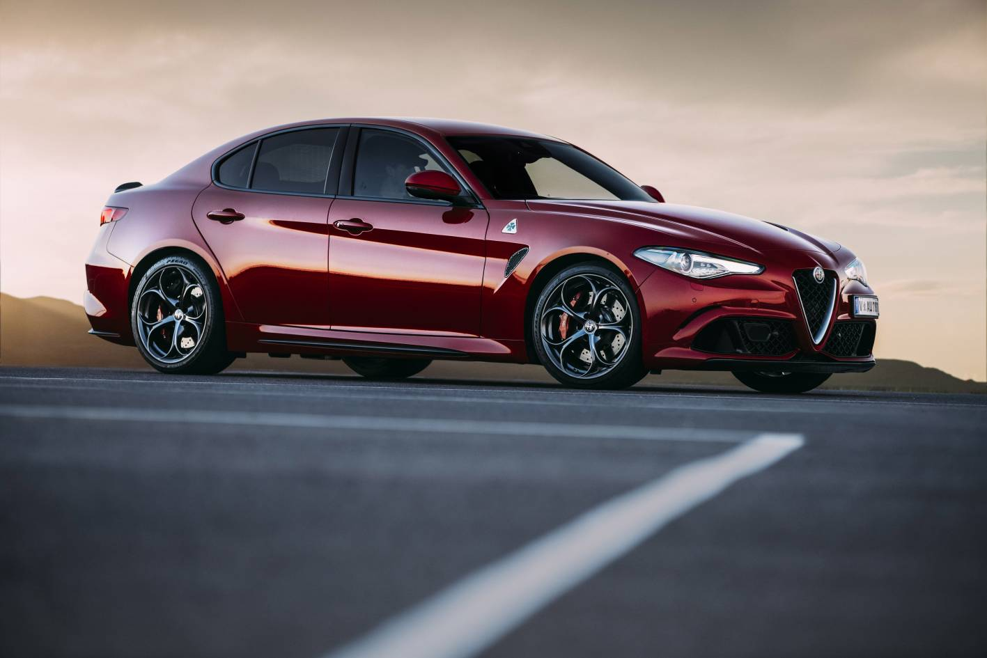 alfa romeo giulia takes on midsize premium segment from. Black Bedroom Furniture Sets. Home Design Ideas