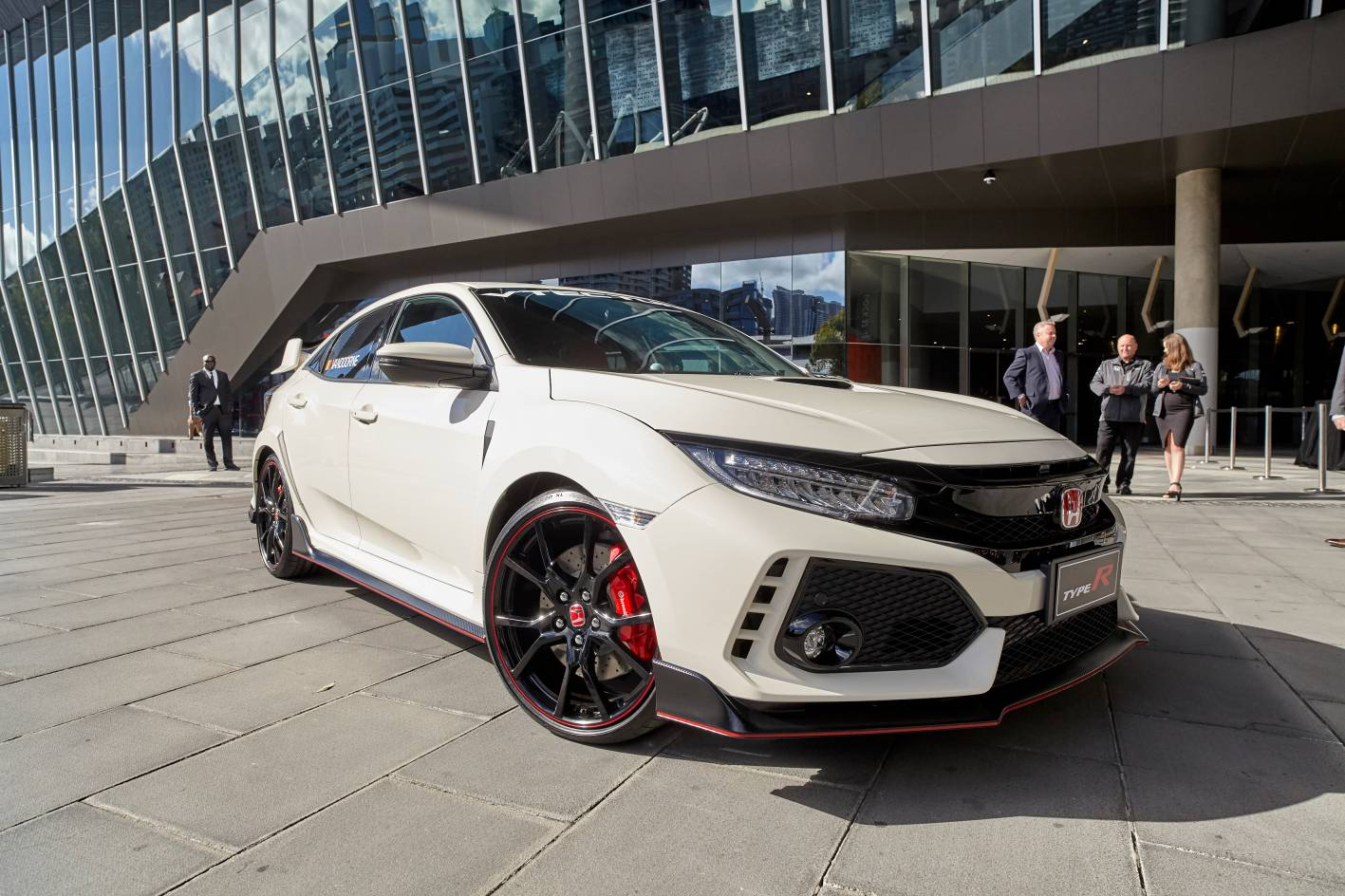 honda civic type r makes early arrival ahead of australian grand prix. Black Bedroom Furniture Sets. Home Design Ideas