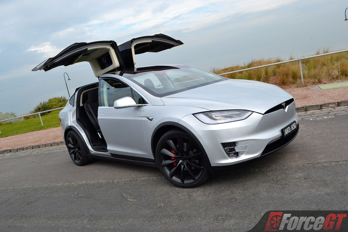 2017 tesla model x p100d review. Black Bedroom Furniture Sets. Home Design Ideas