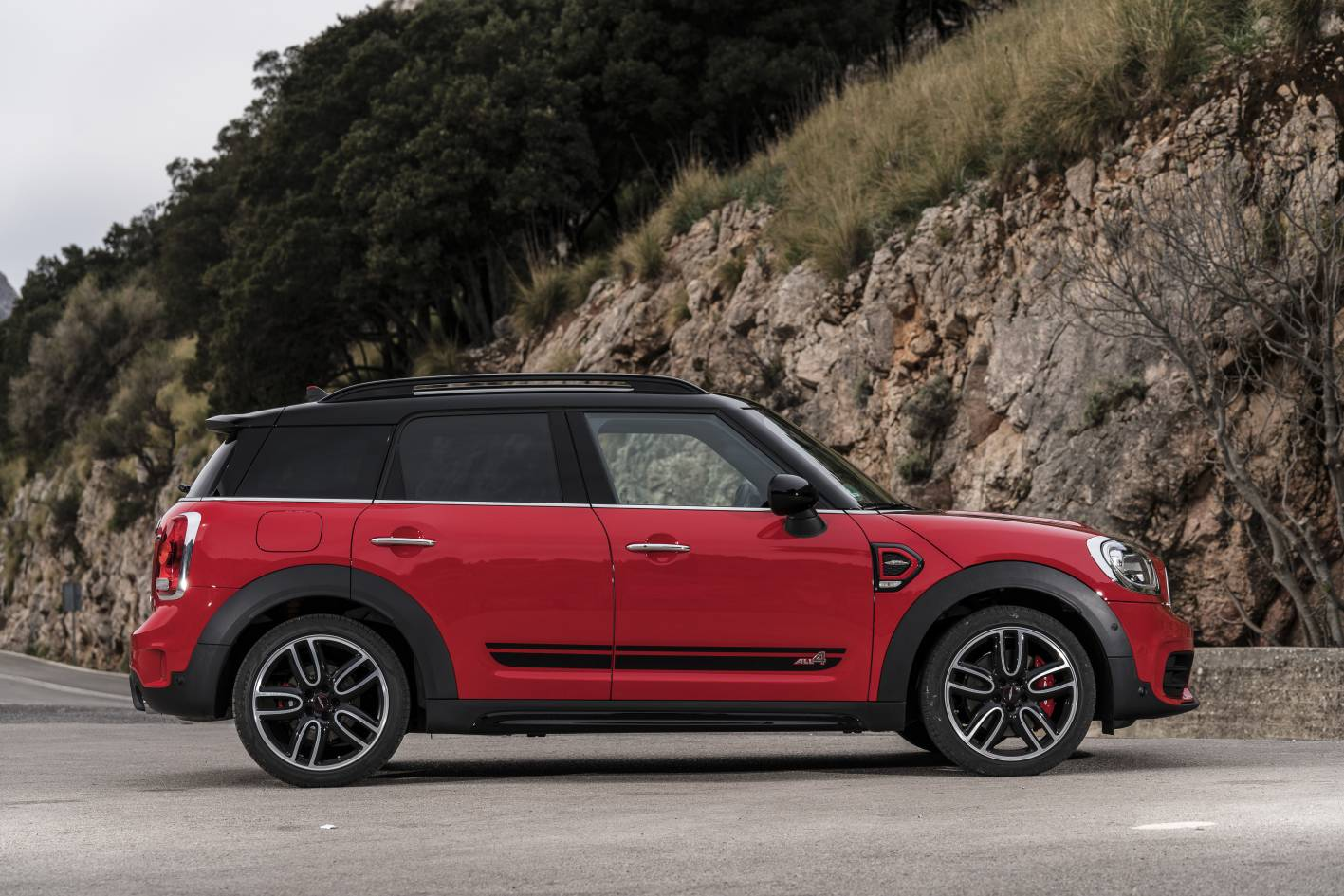 2017 mini john cooper works countryman pricing and specification. Black Bedroom Furniture Sets. Home Design Ideas